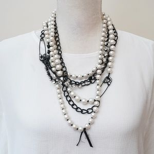 Betsey Johnson Vintage School Girl Pearl Necklace